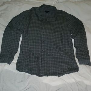 Van Heusen Long Sleeve dress shirt Size M 15- 15.5
